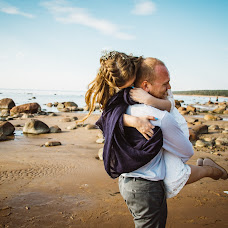Wedding photographer Tanya Karaisaeva (TaniKaraisaeva). Photo of 06.04.2018