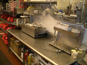 Photo: Crazy wing central station.  To see it the BBQ and HOT sauce heater area this clean,  I had to take a photo!