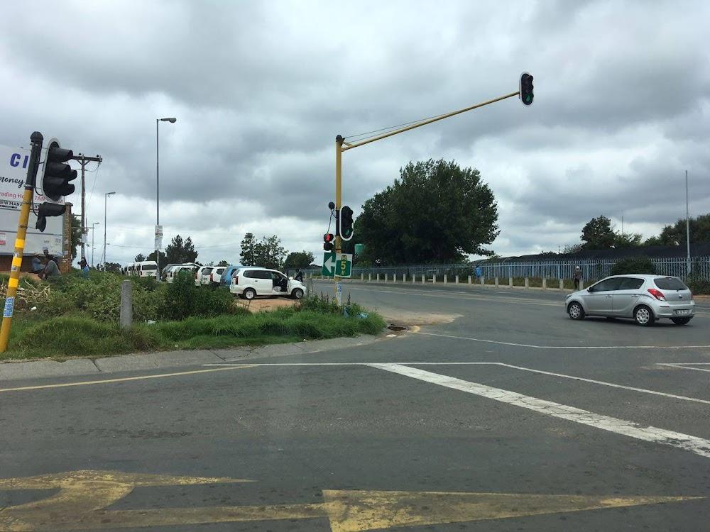 Man het aan die brand geslaan, nog 'n bloedige Sondag in die Johannesburgse voorstad, TimesLIVE
