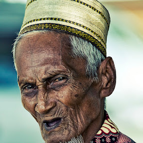 99 years old by Yungki Dblur - People Portraits of Men