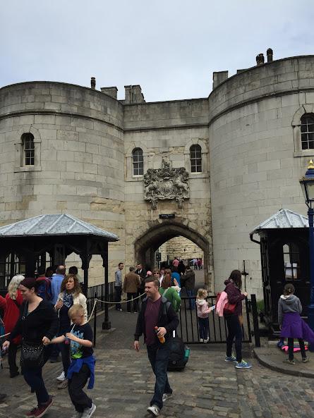 ロンドン塔 入り口