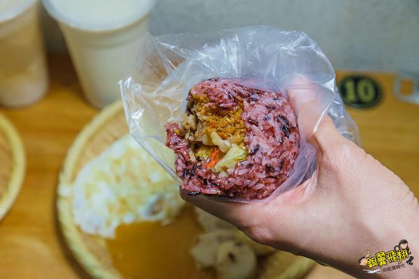 嘉義早餐宵夜洛伯豆漿 桃城美食-平價銅板早餐美味手工蘿蔔糕與現磨濃豆漿!