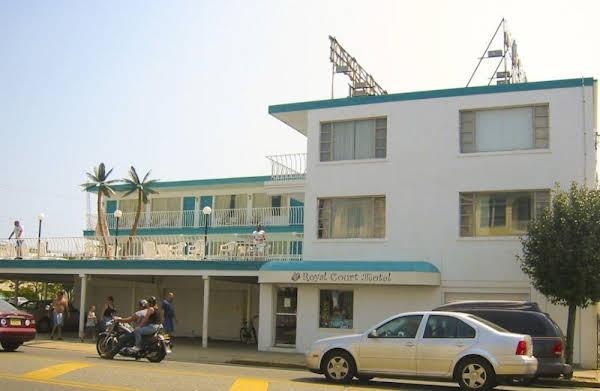 Royal Court Motel