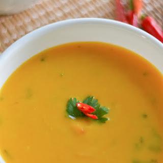 Slow Cooker Thai Pumpkin Coconut Soup