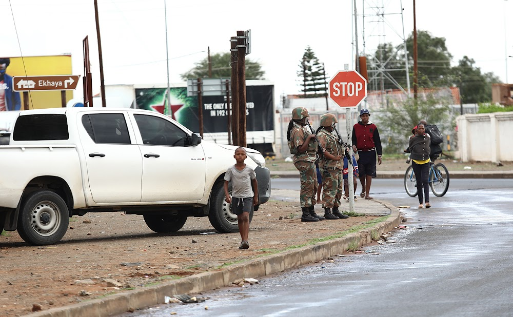 Illegally patrolling SANDF soldiers ordered off Kimberley streets ahead of ANC's January 8 statement - TimesLIVE