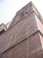 Photo: Sozial bewegt - Klettern vom Stiftskirchturm