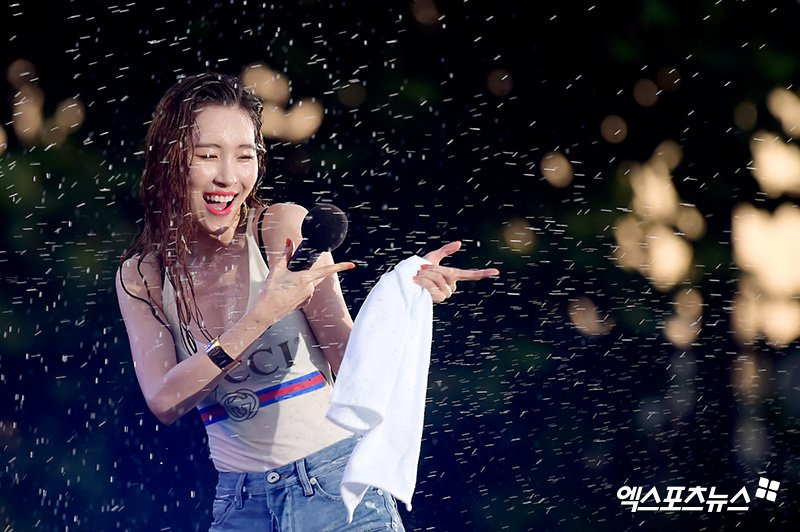 180721-Sunmi-WATERBOMB-Festival-2018-wonder-girls-41474238-800-532