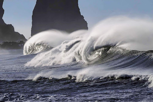 pacific-coastline-waves2.jpg - Waves crashing to shore along the Pacific coastline in Mexico.