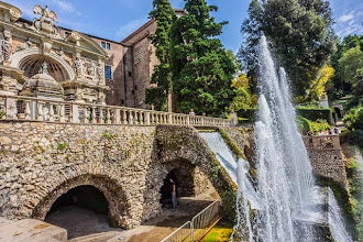 Photo: Daniele and Alicia at The Organ Fountain (Fontana dell'Organo) in Villa d'Este in Tivoli, Lazio, Italy