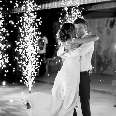 Wedding photographer Yuliya Kutafina (YuliaKutafina). Photo of 21.12.2017