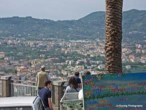 Photo: 2016-05-10. Op weg naar Sorrento. Uitzicht op Capri.