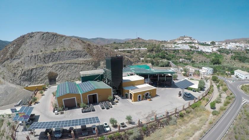 Instalaciones de La Almazara de Canjáyar, en plena Alpujarra