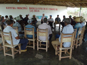 Photo: A close-up of Dr. Norman Uphoff at the workshop in  Carlos Rojas, Pinar del Río. (Photo by Rena Perez)