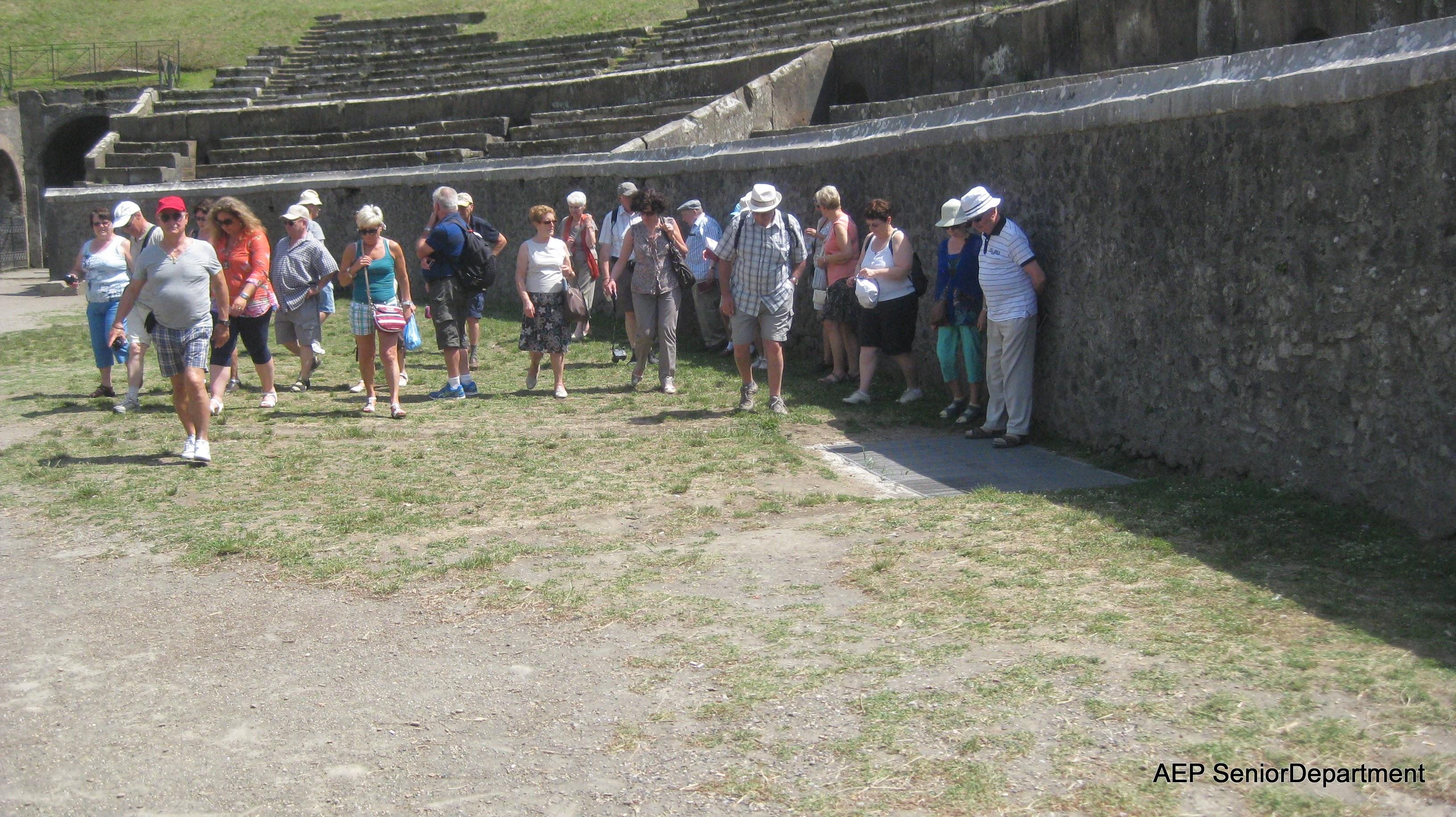 Photo: Pompeï juni 2014-De senioren zette weg verder..