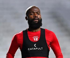 📷 Des supporters de l'Antwerp se déchaînent une fois de plus sur Lamkel Zé et la direction du club