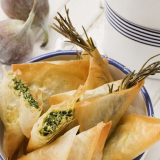 Salty Cheese and Spinach Pastries