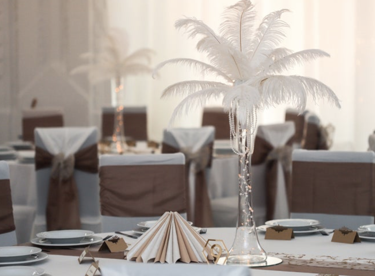 white ostrich feathers for wedding table arrangements