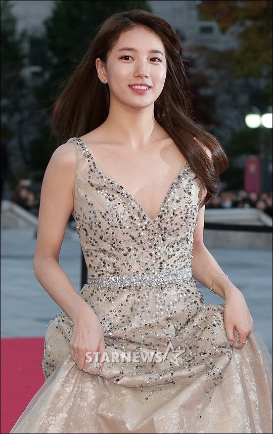 suzy gown 9