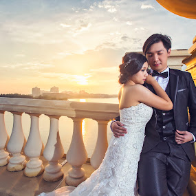 Love is the best. by Emest Freezo - Wedding Bride & Groom ( love, prewedding, wedding, couple, bride, groom, photography )