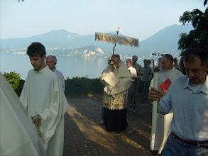 Photo: Il Signore Gesù passa benedicendo, tra canti e acclamazioni