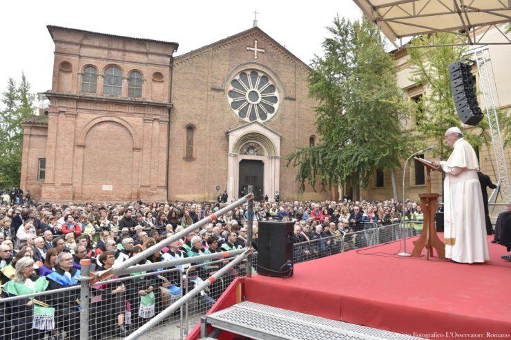 """Bologna: """"Chúng ta không thể để mình quen với tình trạng thất nghiệp của tuổi trẻ"""""""