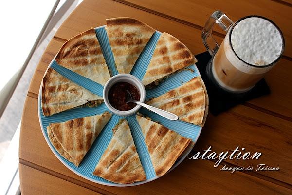 駐地Staytion飲覓處 必點駐地雞肉烤餅! 永康早午餐 台南派對場地 約會餐廳