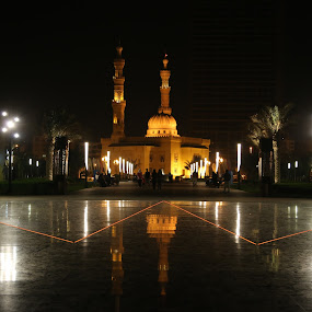 Reflection by Manoj Ojha - City,  Street & Park  Street Scenes ( al-majaj water front, reflection, canopy, park, mosque, uae, buhaira corniche, sharjah )