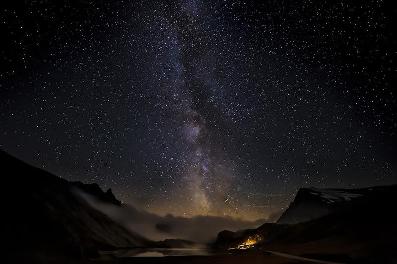 'E per tetto un cielo di stelle..' di Mauro Rossi