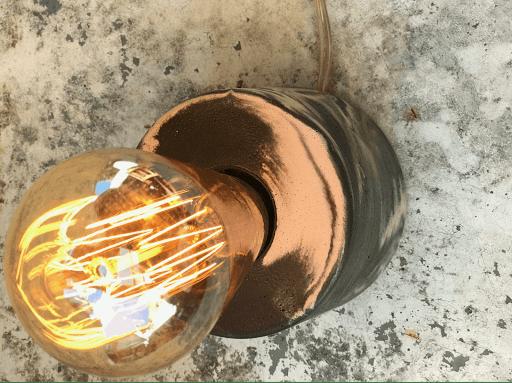 lampe béton marbré anthracite ampoule filament design