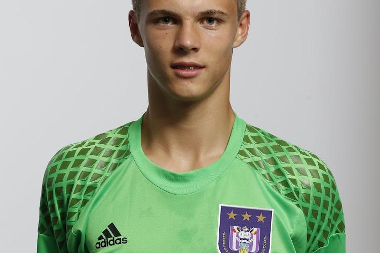 Formé à Anderlecht, le jeune Maxime Delanghe signe un nouveau contrat au PSV