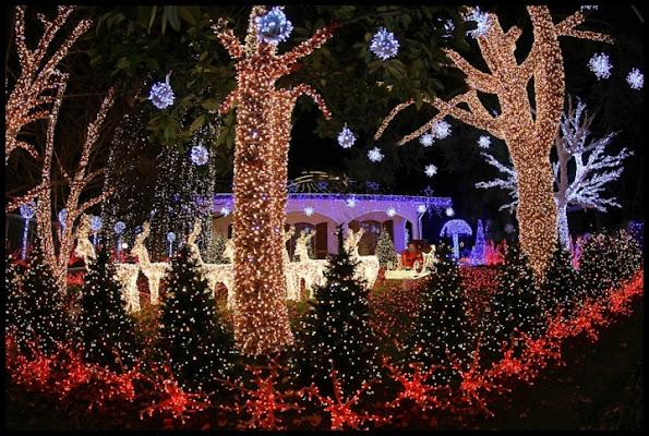 Santa's home in milano di kaira