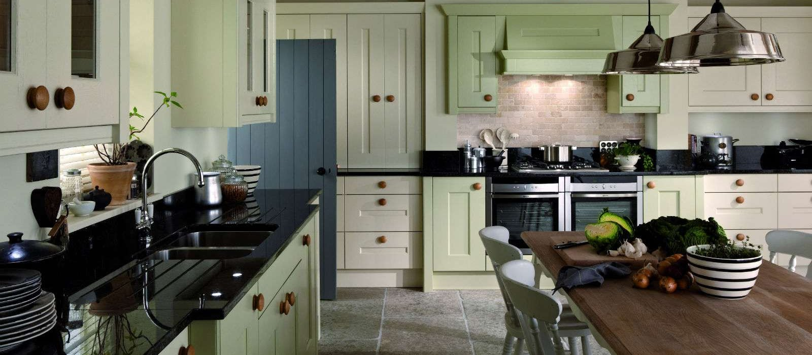 frame classic kitchens | Welford | Heart Kitchens