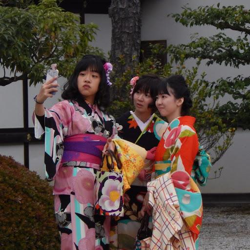 Japonaises asiatiques kimono