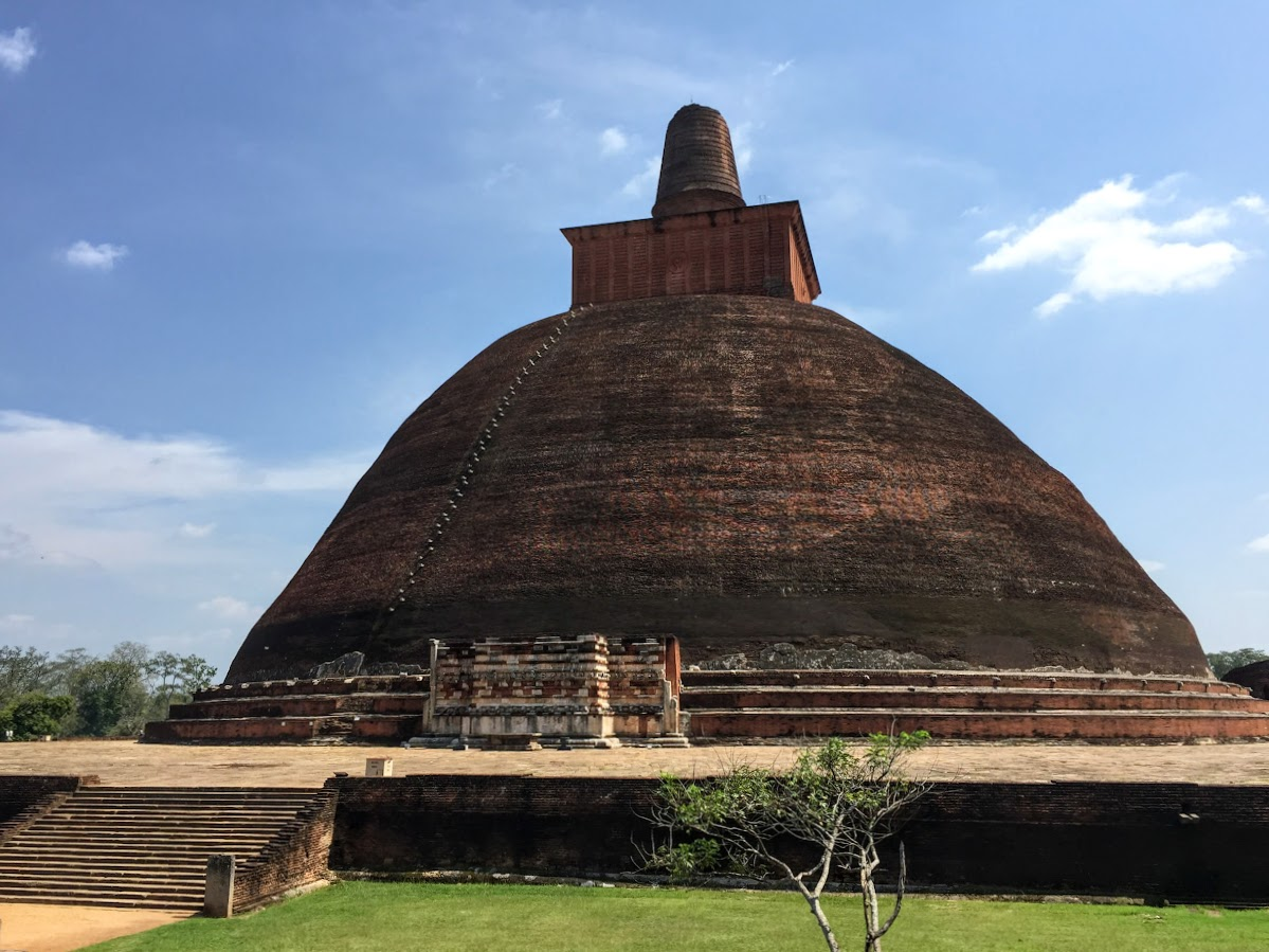 Sri Lanka Travel Tips // Stupda at Anuradhapura