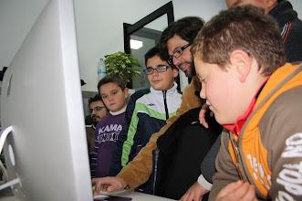 Photo: evangelizando:relación entre manzana, MAC, Apple, Ipod :) día de jornadas abiertas del #crticnrm