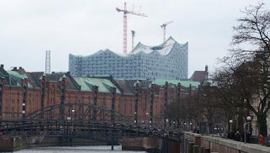Photo: Zollkanal & Elbphilharmonie