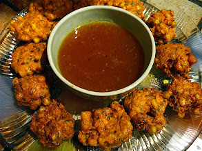 Photo: corn fritters & dipping sauce