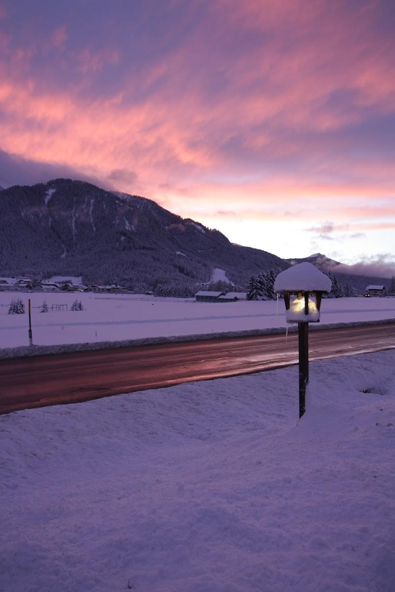 Lampione e luci rosa di ValeBonifacio
