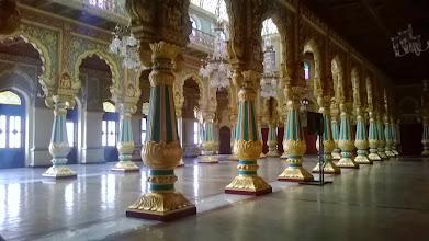 Photo: Mysore palace - foceno od pasu kůli zákazu focení :-)