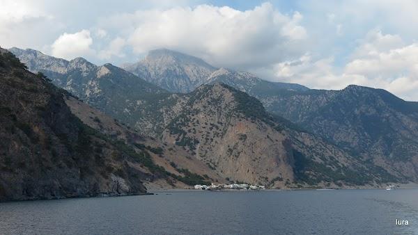 Canionul şi portul Agia Roumeli vazute de pe mare