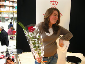 "Photo: Sant Jordi ""MobilePOEMES3gp"" Participative urban intervention that takes place in the streets of Barcelona, Spain, during Sant Jordi day. Sant Jordi day is a Catalan tradition where men offer roses to women and women offer books to men. Willing to modernize Sant Jordi, Colectivo piloto came up with ""MobilePOEMES3gp"". During this one day event, the passersby were prompted to record an improvised poem in front of a camera producing a less-than-one-minute video piece that they could send to their peers via bluetooth. ""MobilePOEMES3gp"" gives fresh air to an old, but appreciated tradition and promotes citizens communication skills through a creative use of electronics devices. Watch all ""POEMES3gp"" on the YouTube Channel: https://www.youtube.com/user/mobilepoemes3gp/videos"