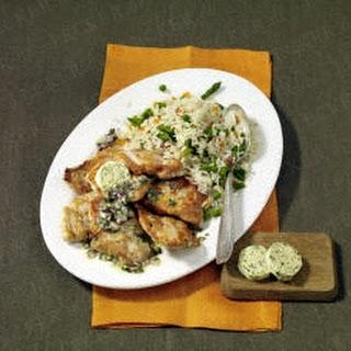 Kleine Knoblauch-Putenschnitzel mit Gemüsereis