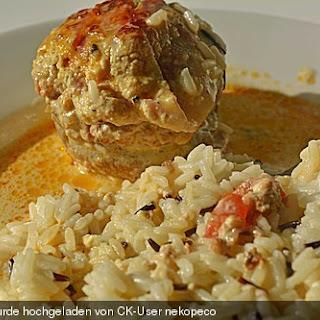 Gefüllte Champignons mit Schafskäse - Hackfleisch an Käsesauce