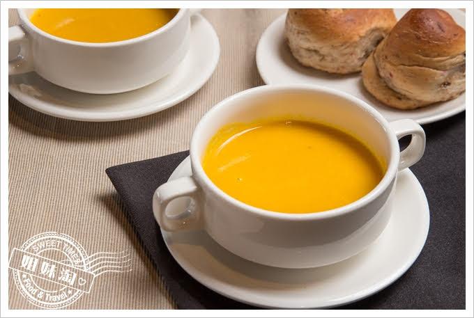 73階蔬食咖啡南瓜濃湯