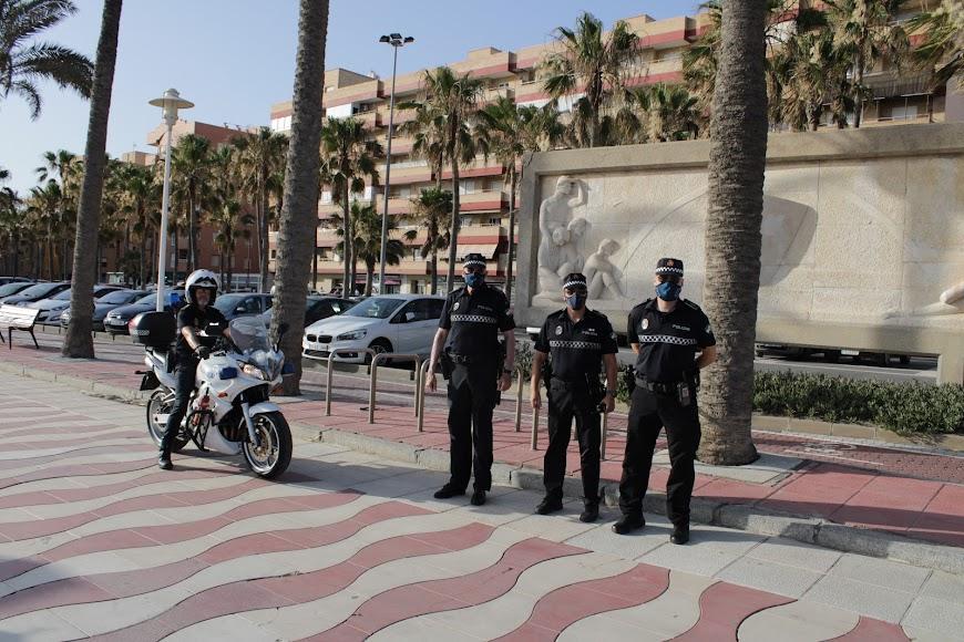 La Policía Local en una noche de San Juan atípica.