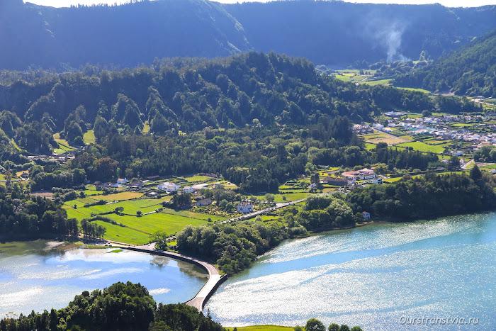 Мост между Lagoa Verde и Lagoa Azul, Азоры