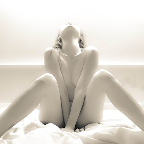 white chicken by Rifqi Trianaputra - Nudes & Boudoir Artistic Nude