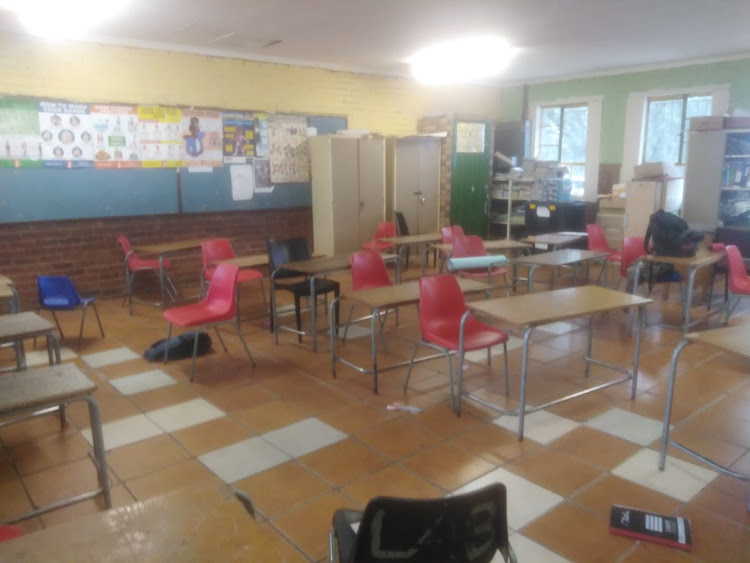 What the classrroom looked like before the revamp by the Pink Forum team.