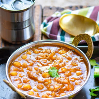 Vegan Chickpea Curry in Pressure Cooker.