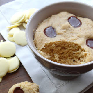 Chestnut Flour White Chocolate Mug Cake.